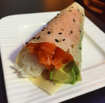 Chopped Salmon Hand Roll with Avocado